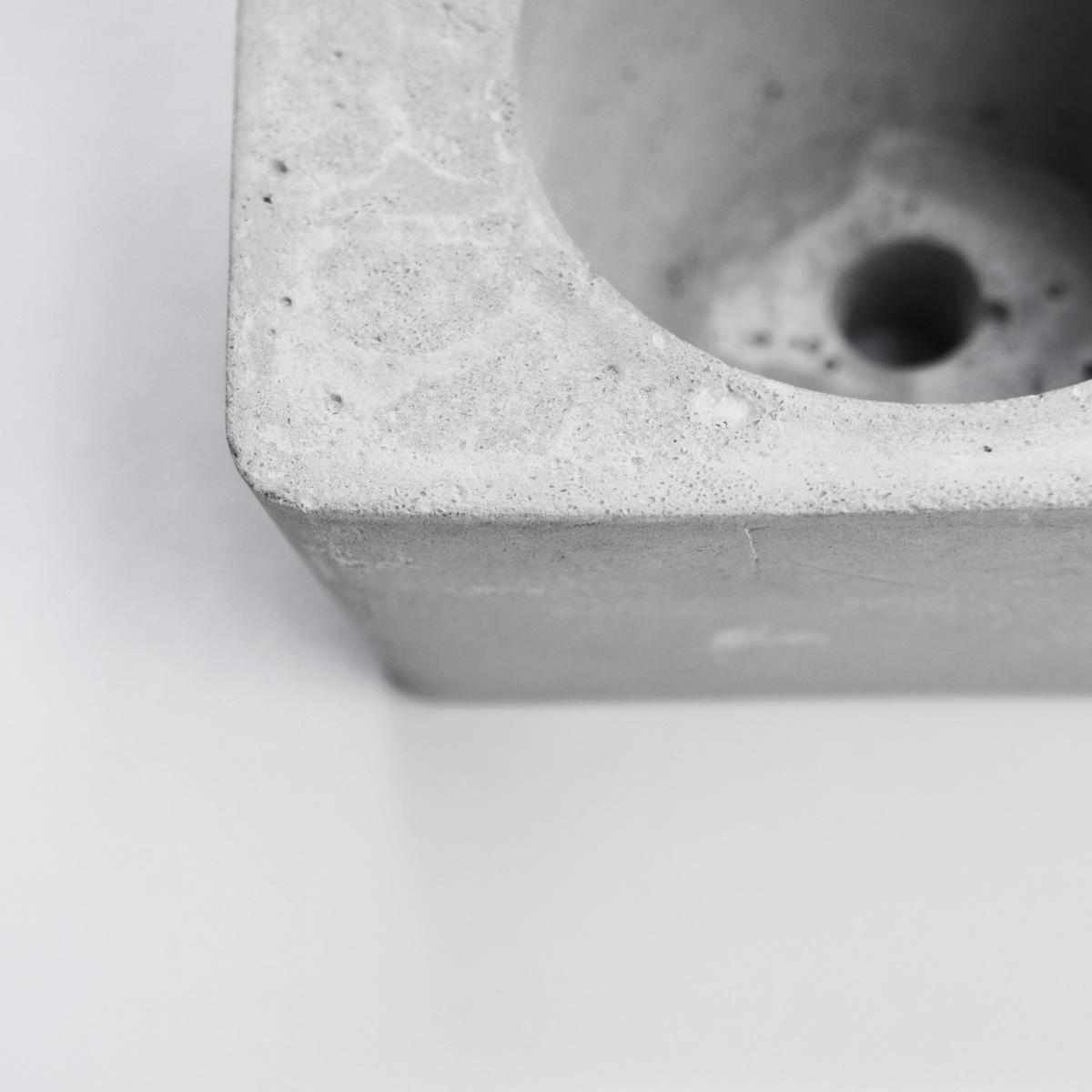 SOLO 獨奏磚型水泥盆器