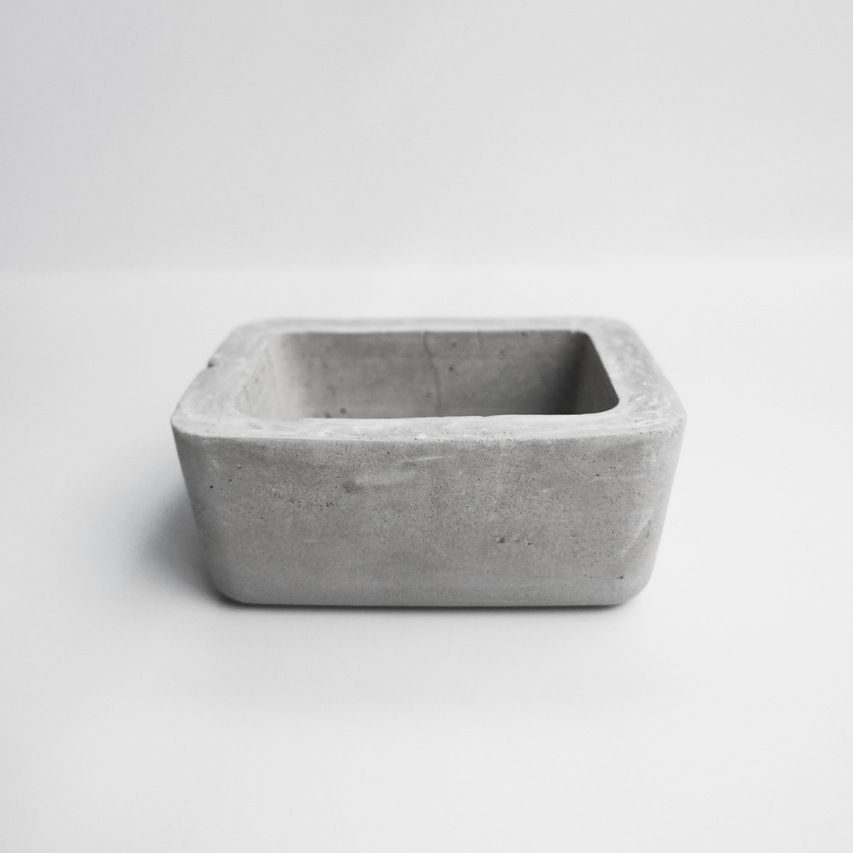 ISLAND 島嶼矩形圓角水泥盆器