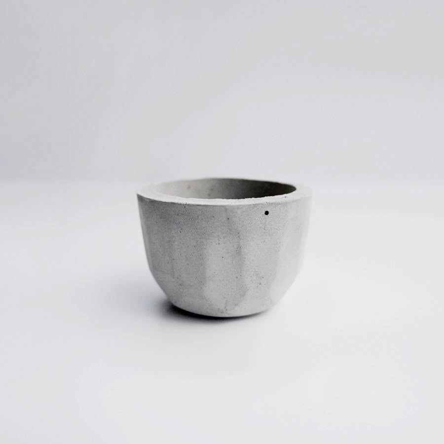 KOH-I-NOOR 光之山水泥盆器 / Rounded concrete pot