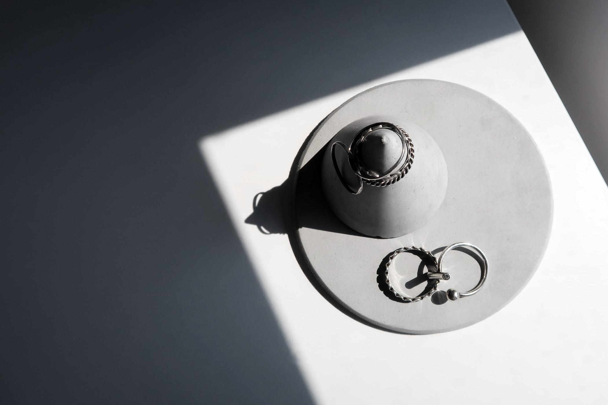 HILL FOG 小山霧錐形水泥戒指飾品盤