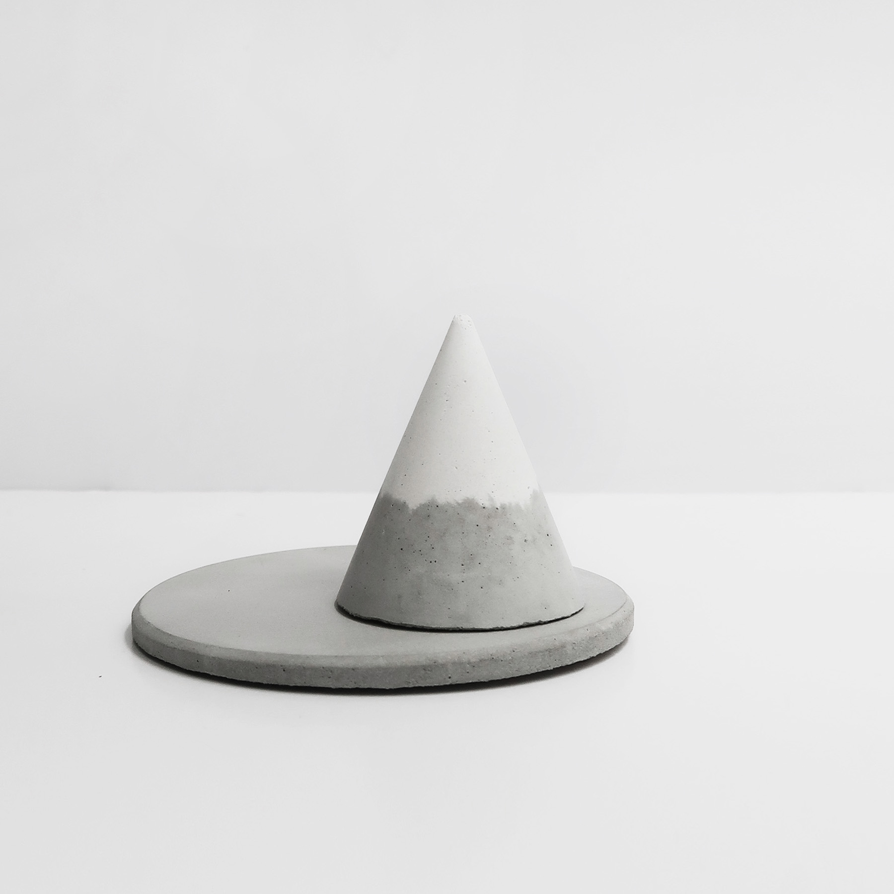 SNOWPACK 小山雪戒指座飾品盤收納組 / Concrete ring holders + trinket dish