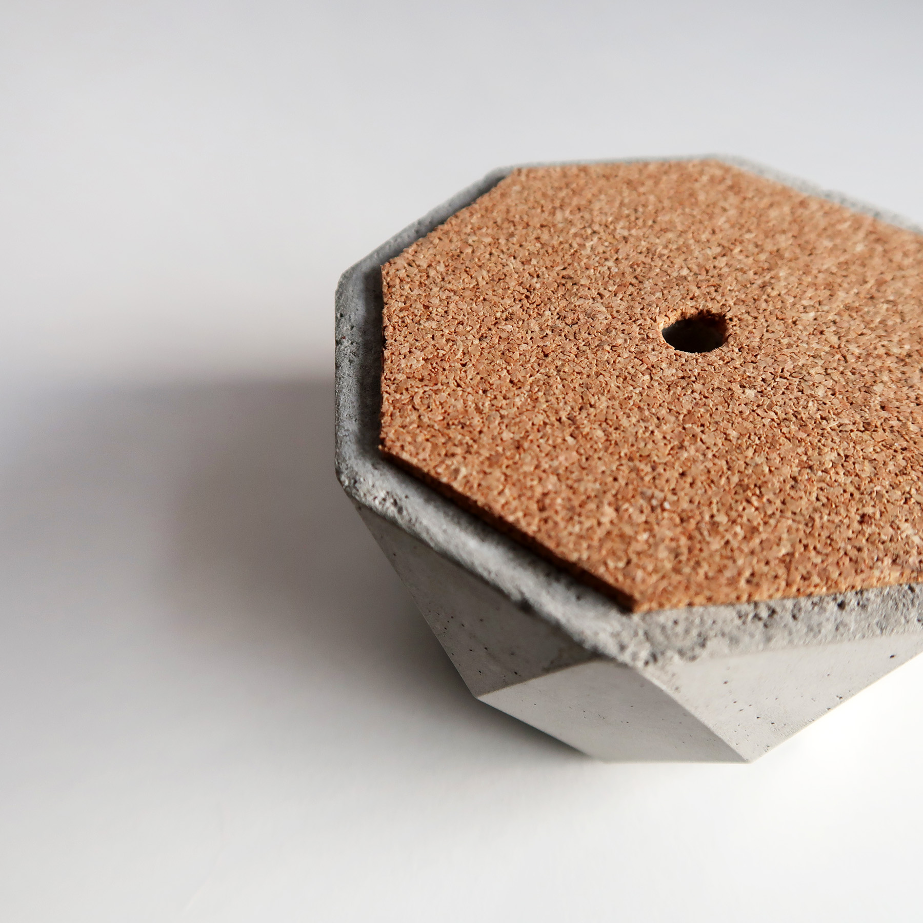 CENTENARY 百年紀念多用途水泥銅器擺飾 - 細節
