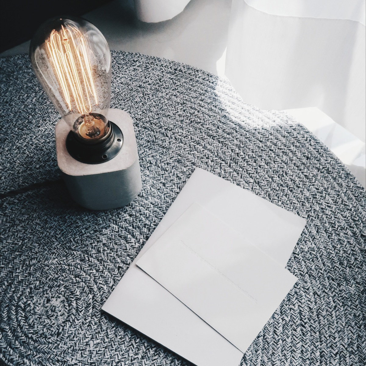 Concrete Design 半嵌古銅圓角設計水泥燈・桌燈・禮物