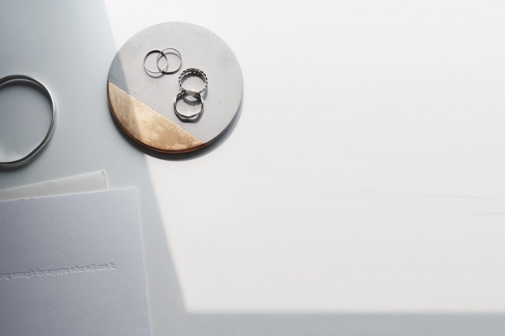 ECLIPSE 月蝕金邊光澤水泥吸水圓墊・杯墊・飾品盤