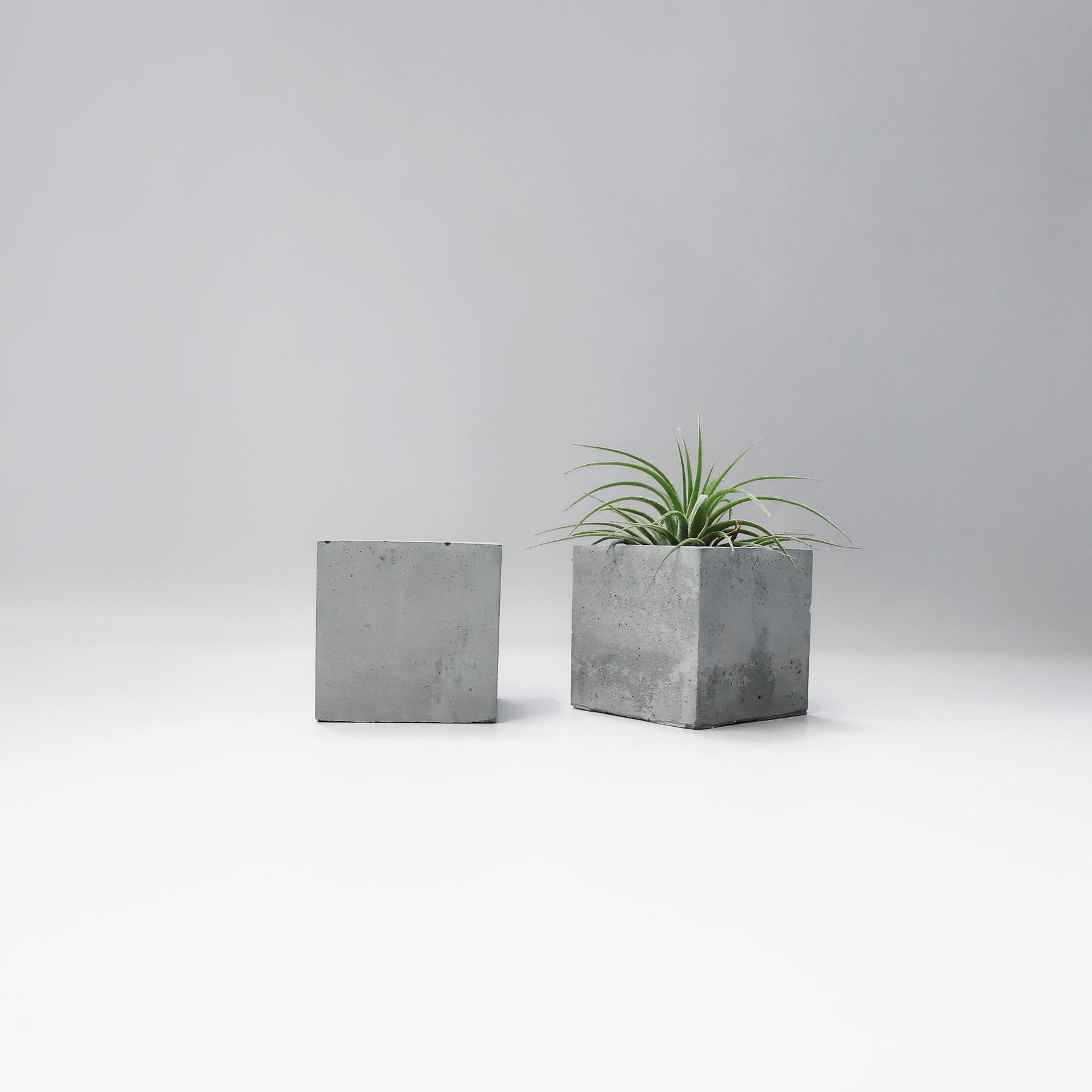 Concrete Design 小方磚水泥蠟燭・飾品收納・空氣鳳梨座