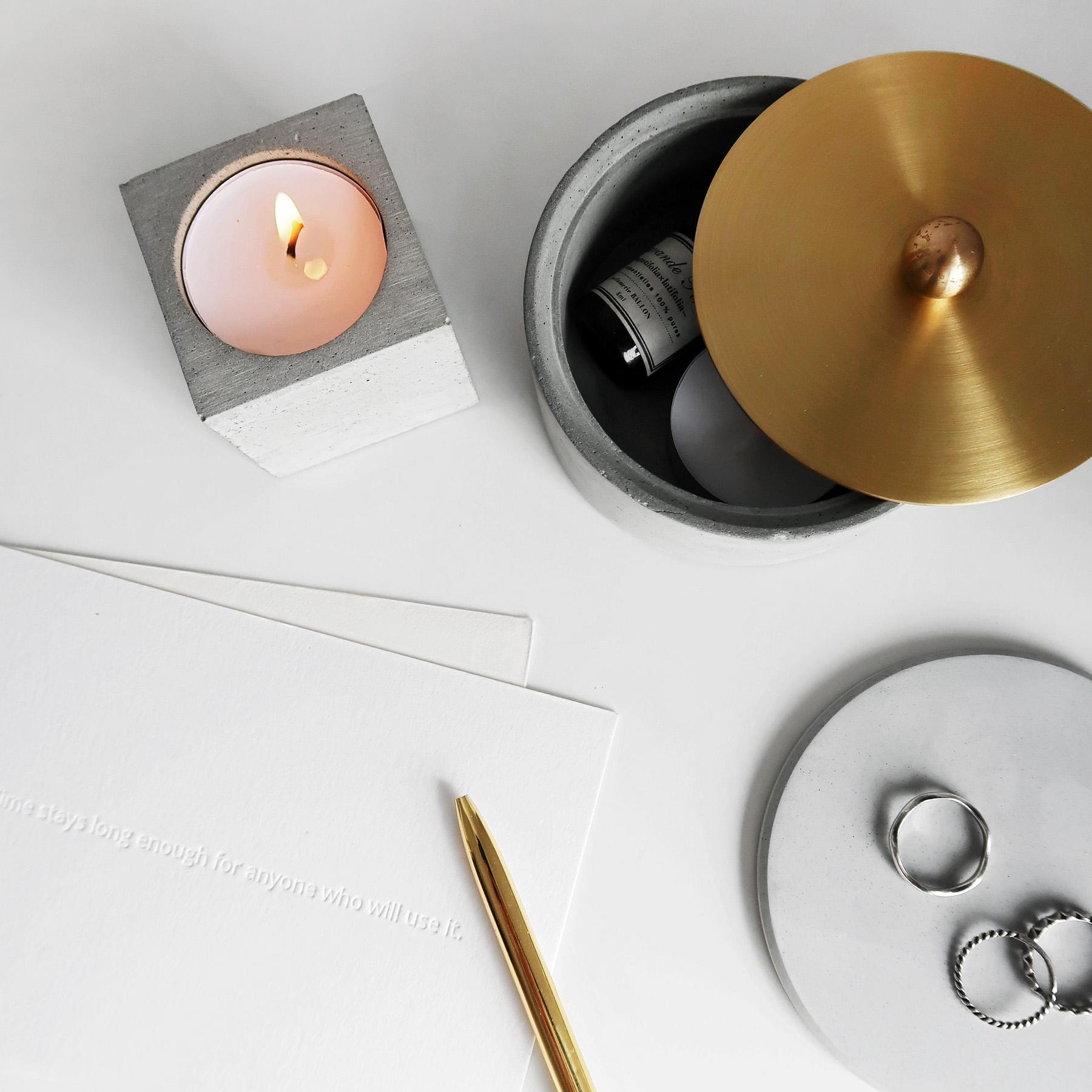 MINI CUBE 小方磚水泥蠟燭・飾品收納・空氣鳳梨座