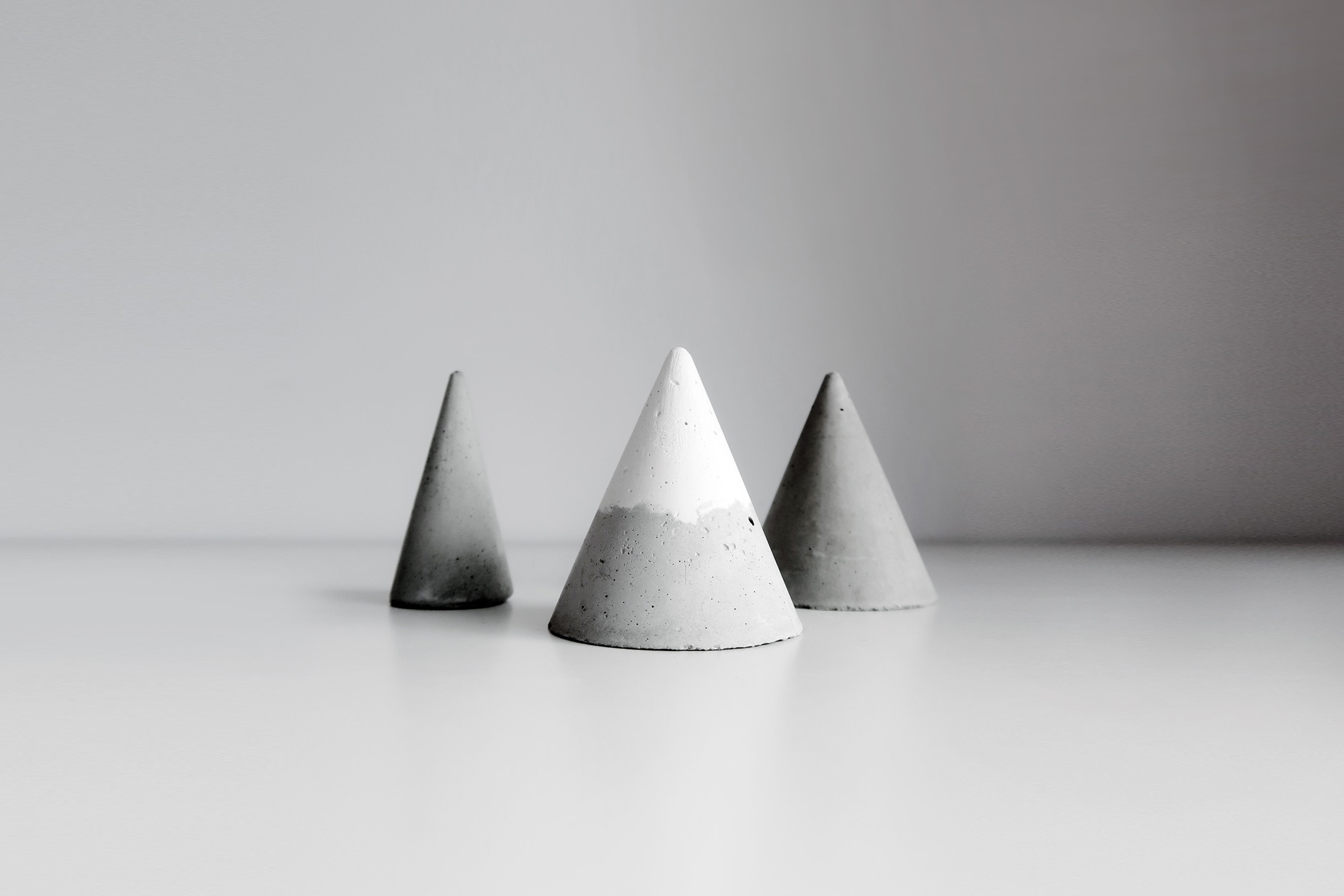HILL SCENERY 小山景雙色錐形水泥擴香石戒指座 3 入組