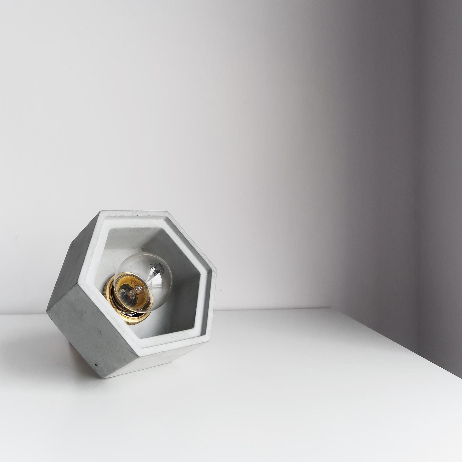 Concrete Design 光圈黃銅六邊型水泥桌燈・吊燈・燈飾