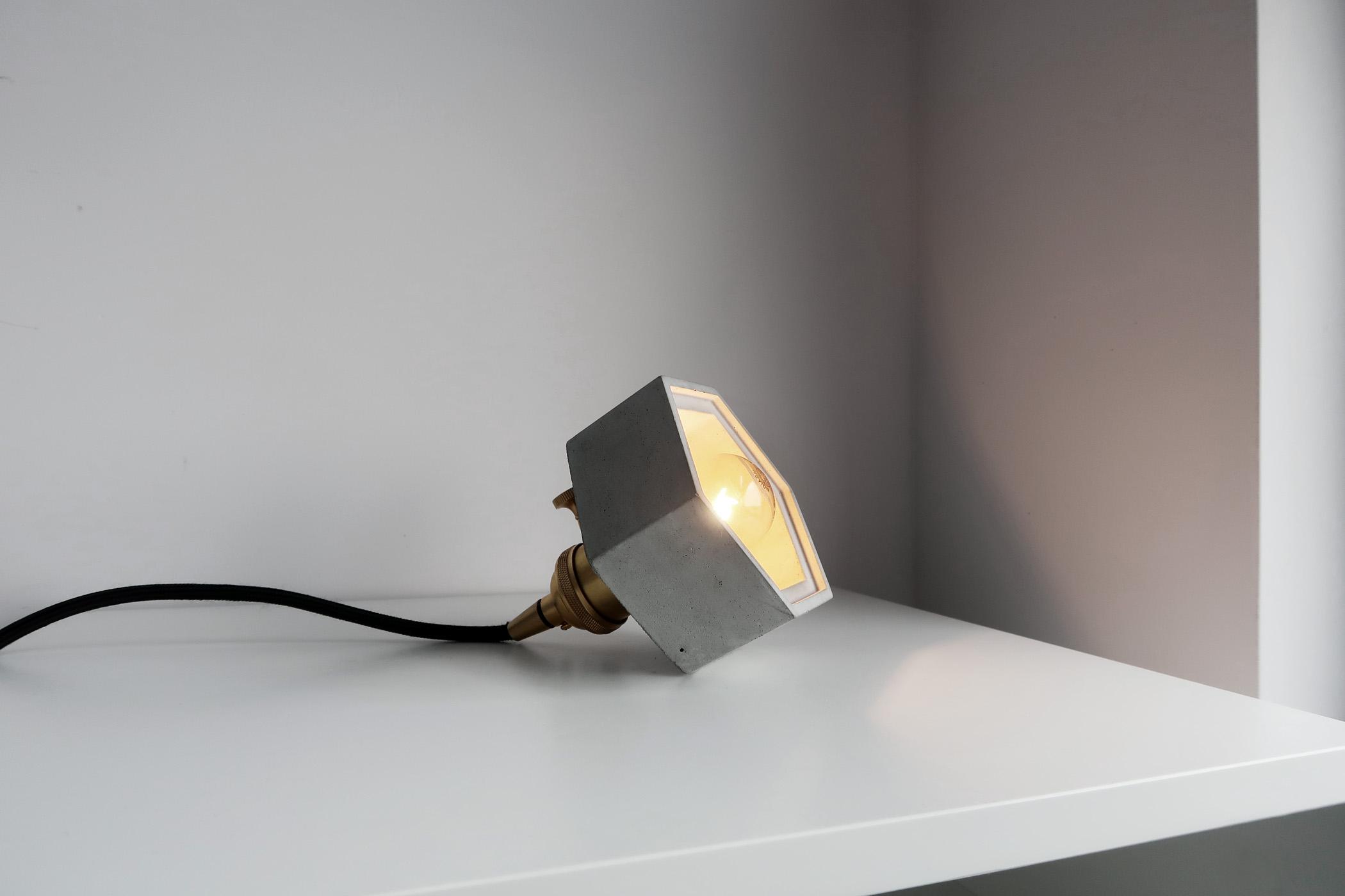 HALO 光圈黃銅六邊型水泥桌燈・夜燈・小吊燈
