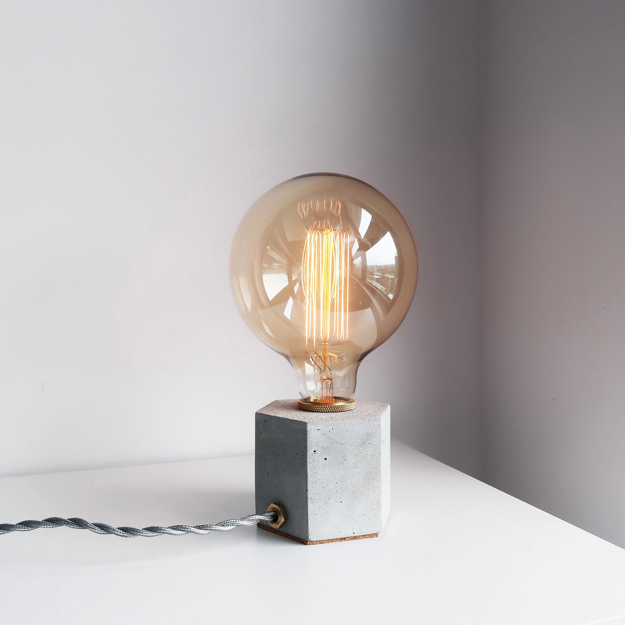 / HEXAGON 六角黃銅幾何設計水泥燈
