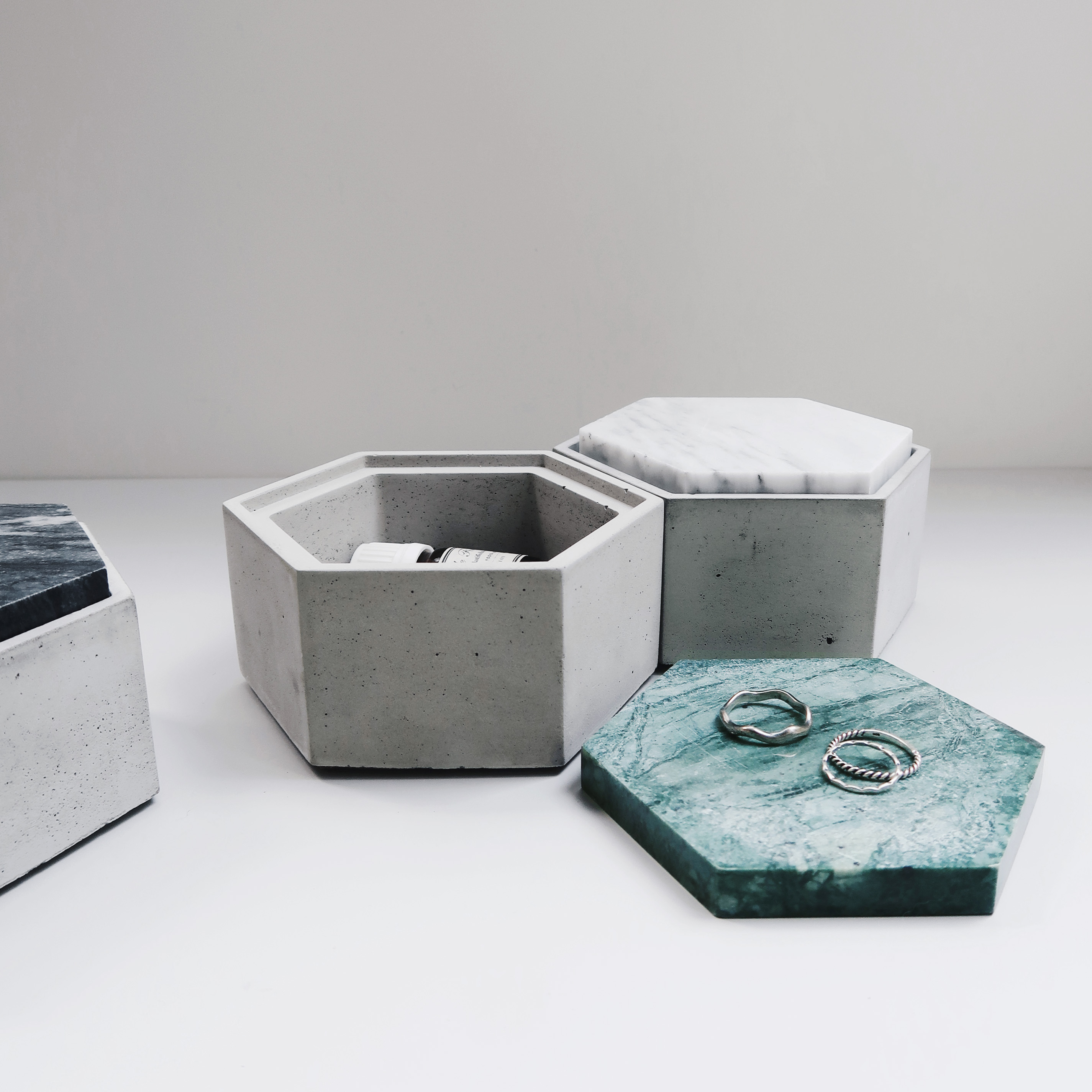 THE ROCK 雲岩六角大理石蓋水泥收納皿 / Hexagonal concrete box with marble lid