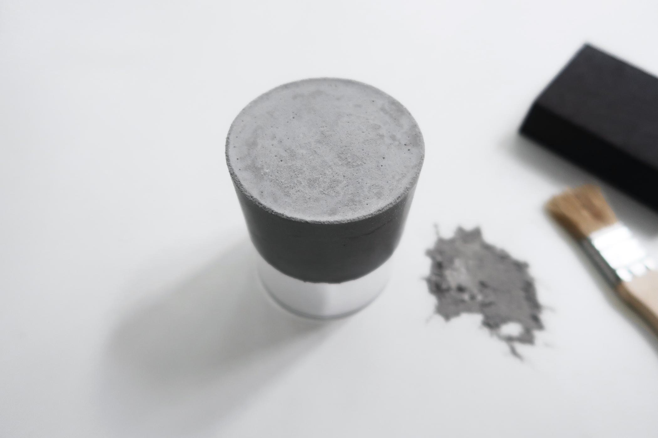 灰調|DIY手作教學:極簡粗獷・水泥玻璃杯 Sept 4