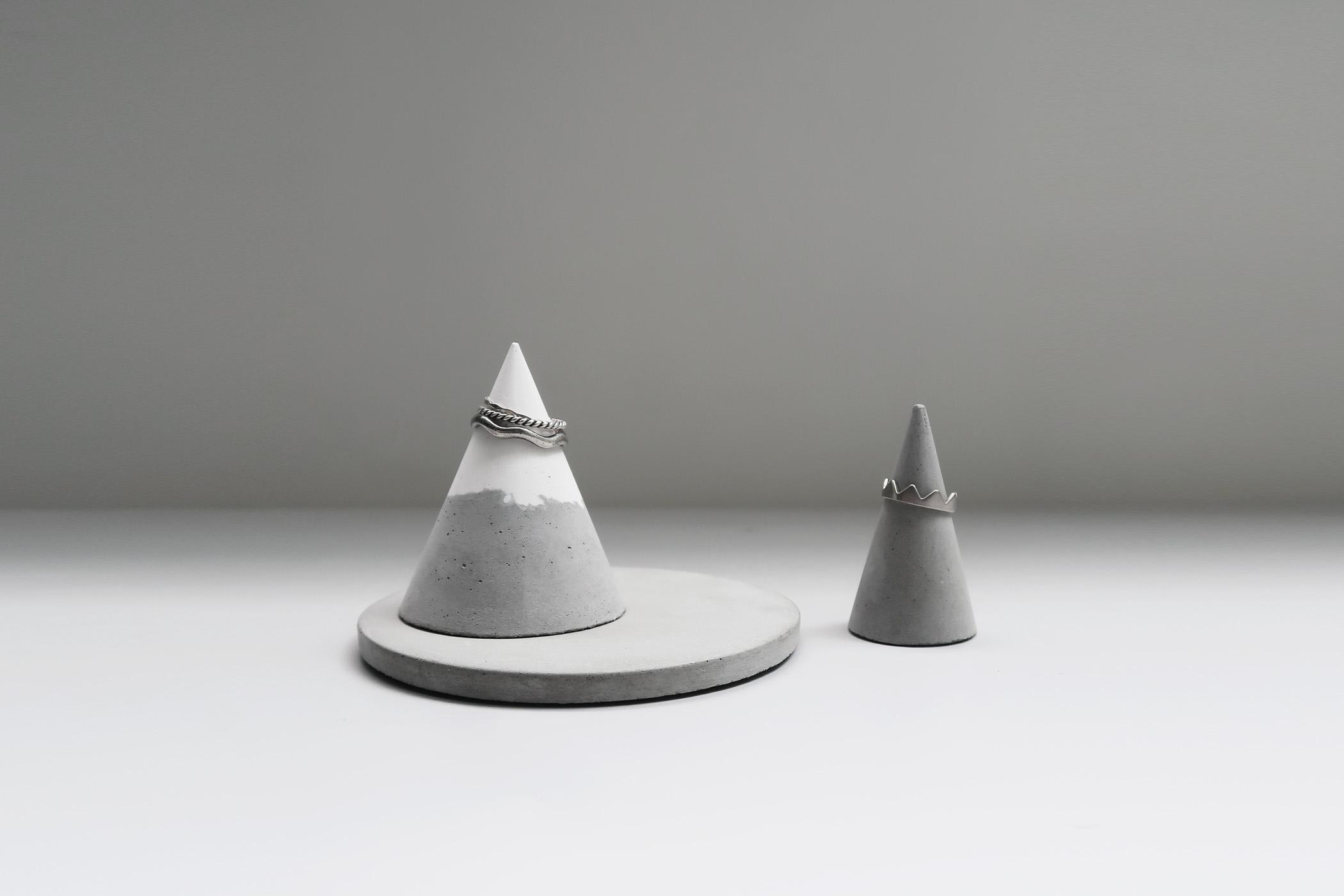 SNOWPACK 小山雪錐形水泥戒指座+飾品盤3件組