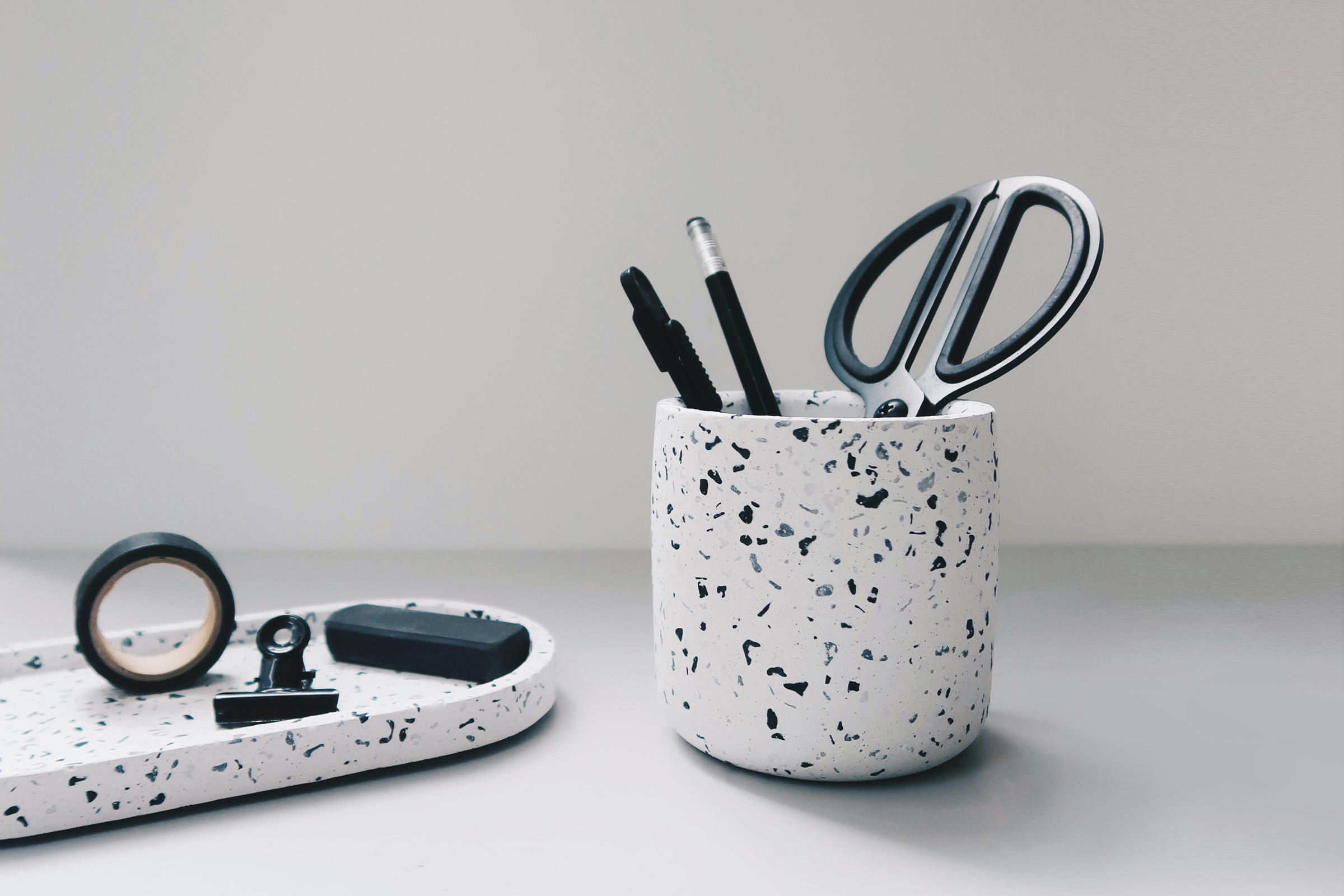 TERRAZZO 磨石子經典黑白水泥收納罐